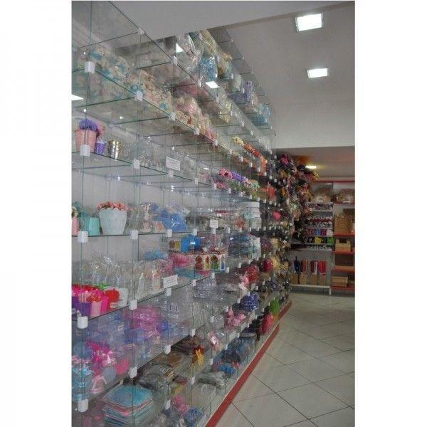 Instalações de Lojas com Gôndolas de Aço e Vidro Temperado