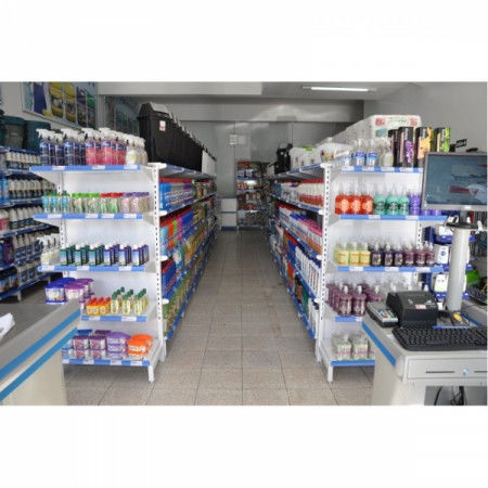 Instalações de Lojas com Gôndolas de Aço e Balcão de Atendimento MDF